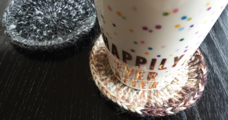 かぎ針編み:短時間で編める、長編みのコースターの編み方