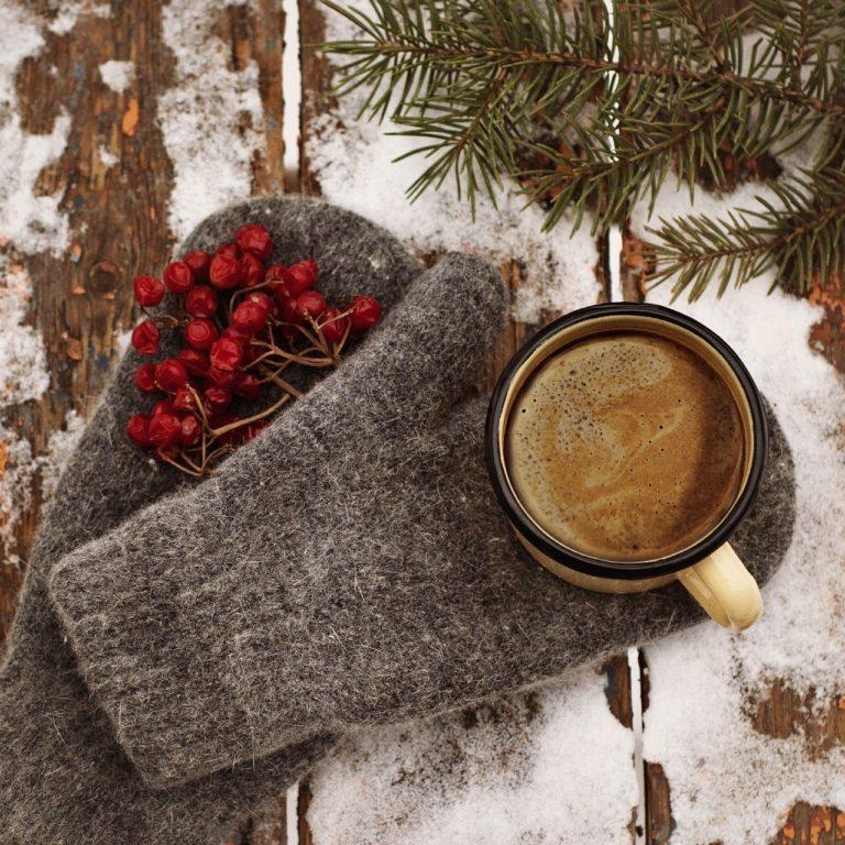 今年は手袋を編むか、どうしましょう。