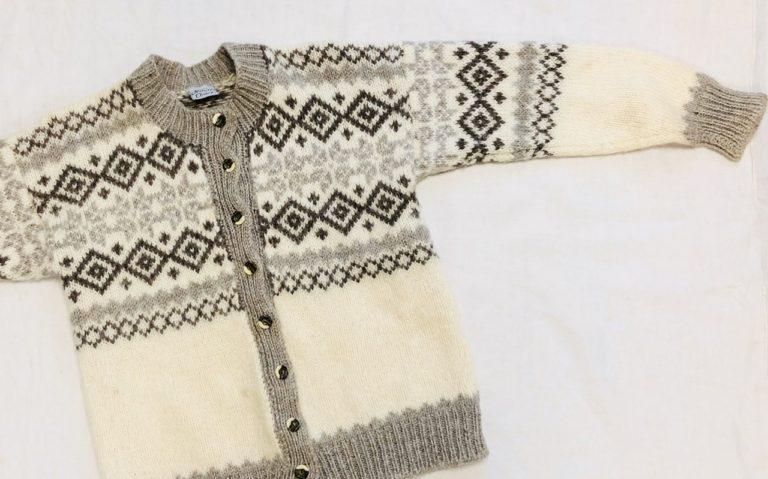 断捨離マダムから届いたウールセーターをほどいて、新しいセーターに