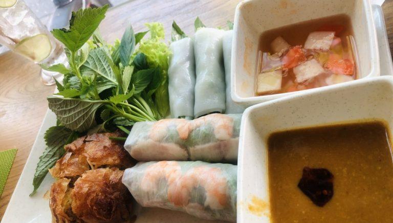 生蒸し揚げ、色んなベトナム春巻きが食べられる「Wrap and Roll」(ベトナム旅行記 9)