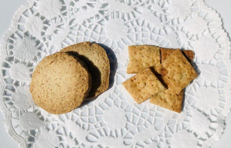 バタークッキーと玉ねぎビスケット