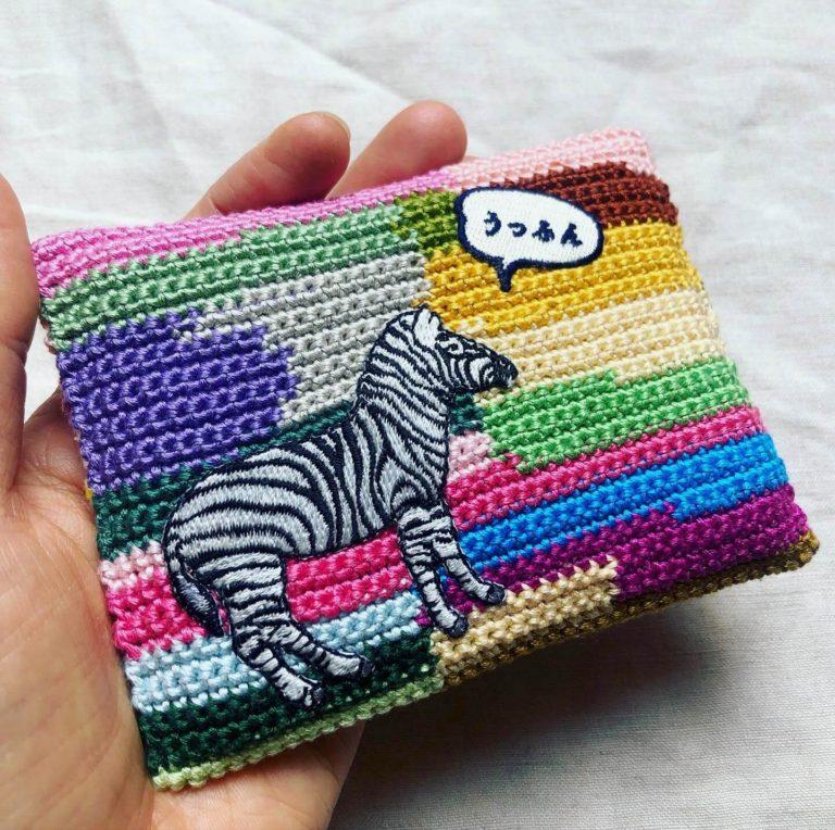 刺しゅう糸で、かぎ針編みのポケットティッシュケース