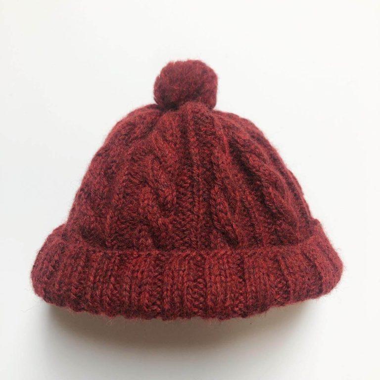 お人形用の帽子、夏用と冬用の2種類を編みました